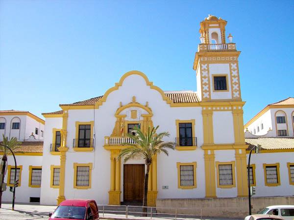 http://www.nazarenodesantamaria.com/imagenes/web/nuestro_barrio/colegio_campo_del_sur_01.jpg