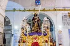 FOTOGALERÍA: Presentación de la nueva túnica de cola de Nuestro Padre Jesús Nazareno