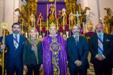 La Cofradía del Nazareno impuso Escapularios a dos hermamos por sus más de 50 años de antigüedad