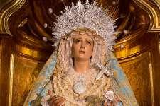 María Santísima de los Dolores, llevada al cielo como Madre de Dios