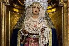 María Santísima de los Dolores luce vestida con una saya torera donada por 'El Cordobés'